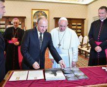 Путин пересказал наказ Папы Римского священникам про Достоевского