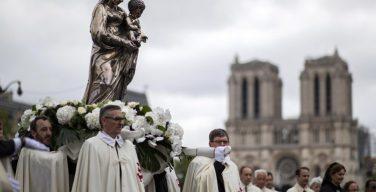 Папа Франциск призвал католиков Франции стать строителями нового человечества