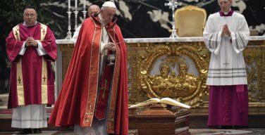 Папа Франциск проводил в последний путь кардинала Сильвестрини