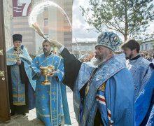 В Кемерове на месте сгоревшего ТРЦ «Зимняя вишня» освятили часовню