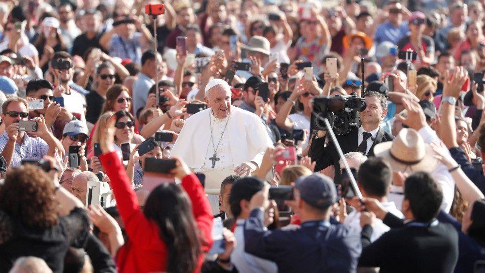 Папа Франциск продолжил цикл катехез, посвященных Книге Деяний Апостолов