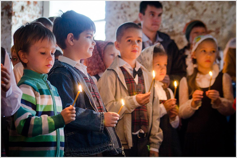В РПЦ считают недопустимым привлекать к молебнам неверующих школьников