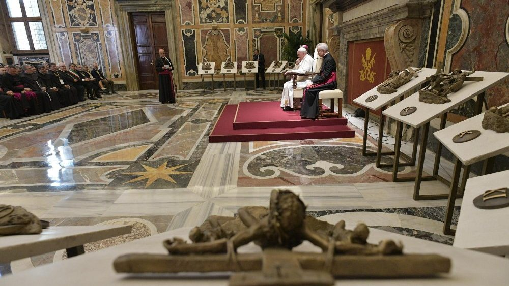 Папа Франциск высказался о современных методах евангелизации