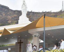Папа Франциск отслужил Святую Мессу у подножия статуи Марии Царицы мира