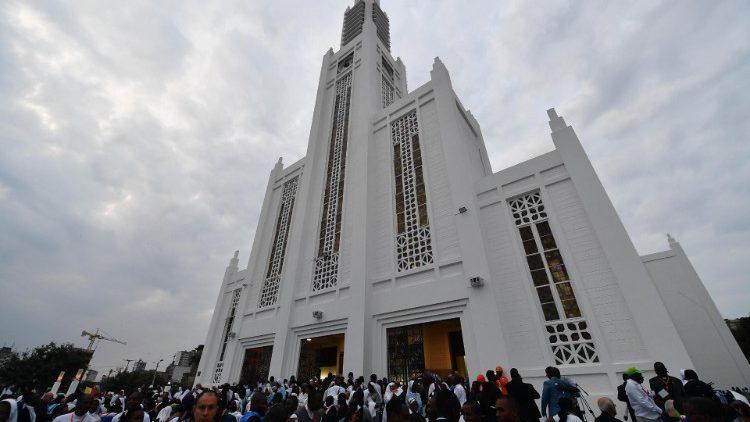 Папа Франциск в Мозамбике: встреча с молодежью и духовенством