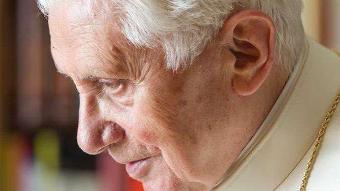 «Круг учеников Ратцингера» назвал священнический целибат особым даром Господа для Церкви