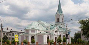 Полицейские в Волгограде пресекли разбойное нападение на прихожан католического храма