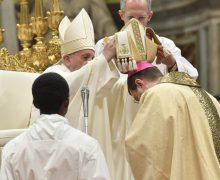 Папа Франциск хиротонисал четырех епископов и пожелал им быть ближе к Богу, священникам и народу
