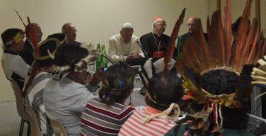 Папа Франциск встретился с амазонскими индейцами