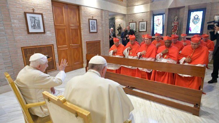 Папа Франциск и новые кардиналы посетили Папу на покое Бенедикта XVI