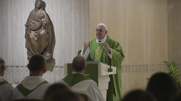 Папа Франциск на Мессе в Доме Святой Марфы говорил о встрече со Словом Божьим