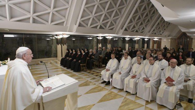 Папа Франциск на Мессе в Доме Святой Марфы рассуждал о грехе лицемерия и истинном покаянии