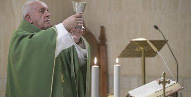 На Мессе в Доме Святой Марфы Папа Франциск размышлял о духовной брани