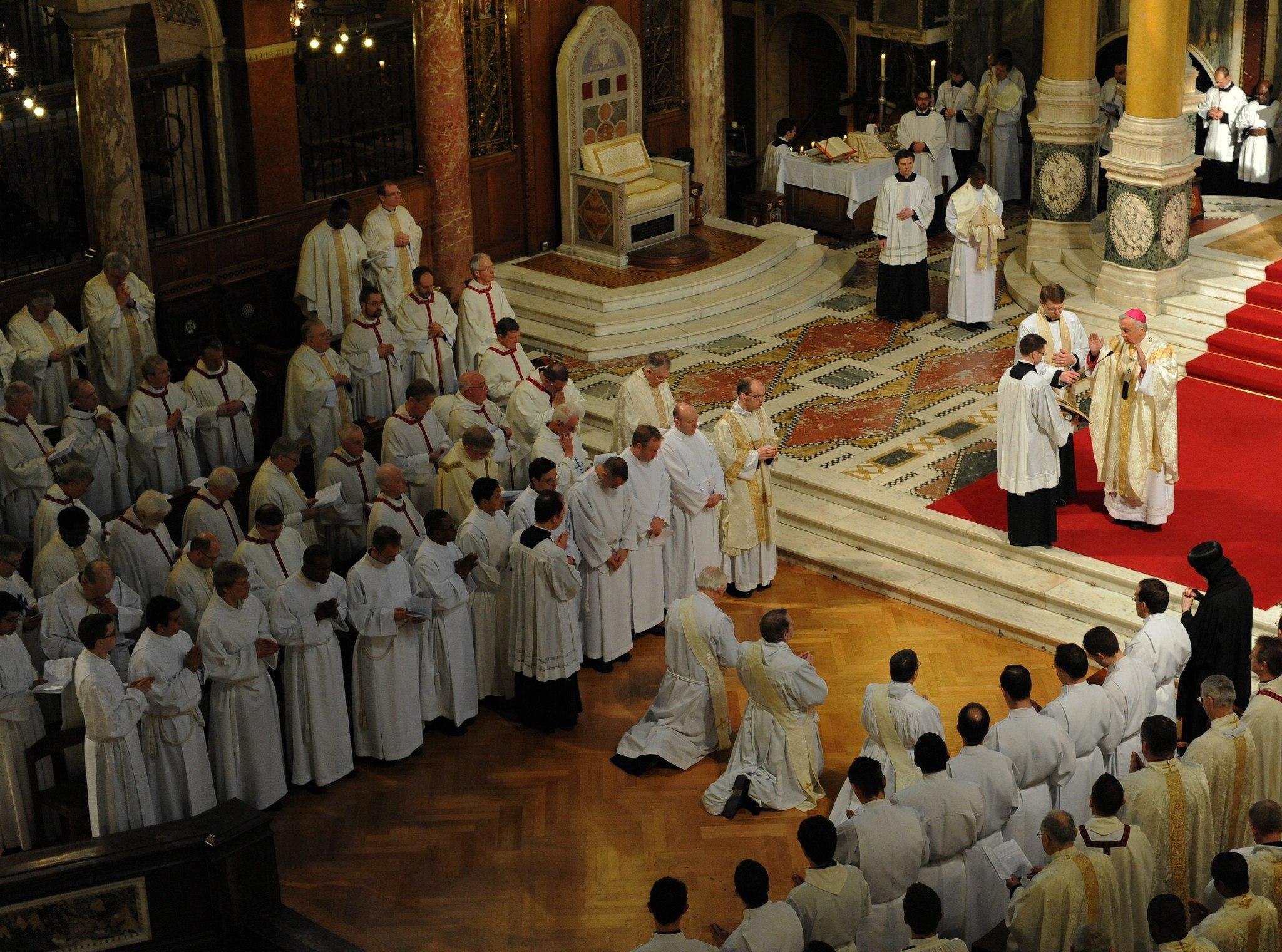 10 лет Апостольской Конституции Бенедикта XVI, благодаря которой в Католической Церкви появился «англиканский обряд»