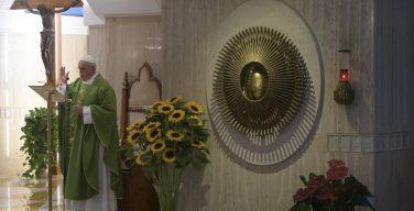 Папа: идеология не должна занимать место веры