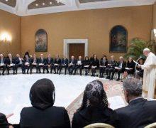 Папа Франциск к представителям азербайджанского Международного центра: культура встречи – главный путь к братству