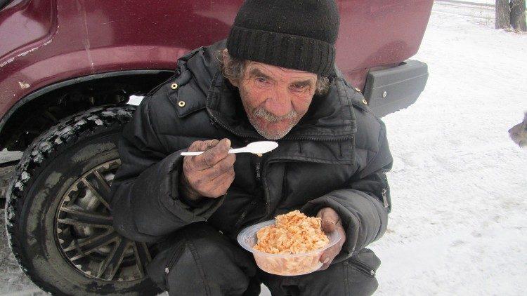 Всемирный день бедных в Москве будет посвящен бездомным