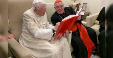 Бенедикт XVI встретился с чешскими епископами