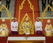Апостольский визит Папы Франциска в Таиланд: Месса в столичном спорткомплексе