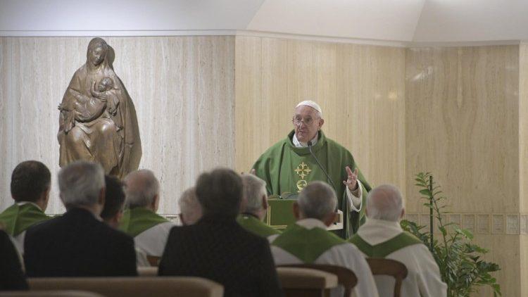 На Мессе в Доме Святой Марфы Папа Франциск говорил о грехе закрытости