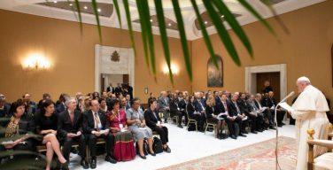 Папа Франциск: католические университеты должны служить продвижению человека
