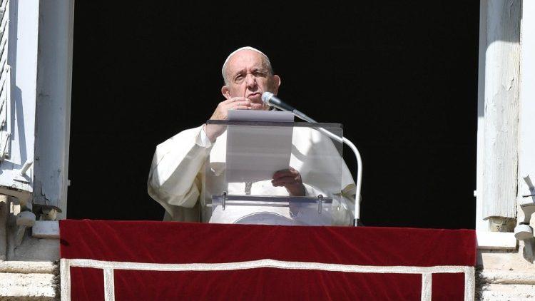 Слово Папы Франциска перед чтением молитвы «Ангел Господень» в 3-е воскресенье Адвента. 15 декабря 2019 г., площадь Св. Петра