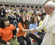 На общей аудиенции Папа Франциск говорил о значимости свидетельства через страдания