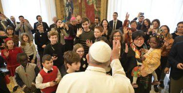 Папа встретился с детьми из «Католического действия»