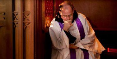 Католическое духовенство Австралии возмущено законом, обязывающим священника раскрывать тайну исповеди, если речь идет о насилии над несовершеннолетним