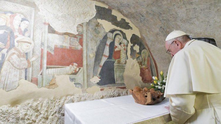 Папа посетил Греччо, место первого рождественского вертепа