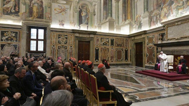 Папа Франциск принял сотрудников Конгрегации по канонизации святых, отмечающей свой полувековой юбилей