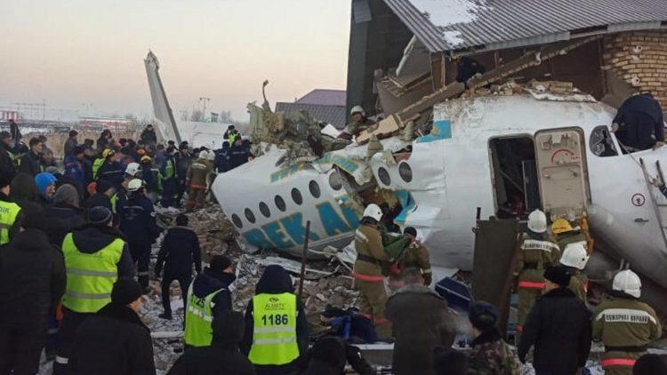 Папа Франциск молится о жертвах авиакатастрофы в Казахстане