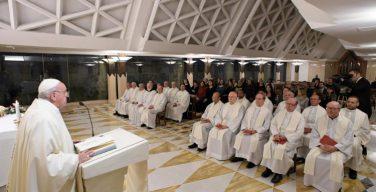 На Мессе в Доме Святой Марфы Папа Франциск размышлял о значимости христианского самоумаления