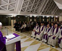 В проповеди на Мессе в Доме Святой Марфы Папа Франциск призвал строить свою жизнь на прочном фундаменте веры