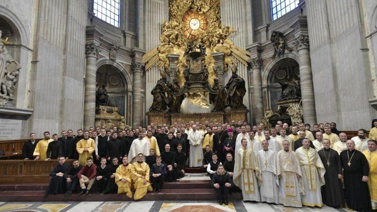 Перед началом общей аудиенции Папа Франциск приветствовал греко-католиков из Закарпатья
