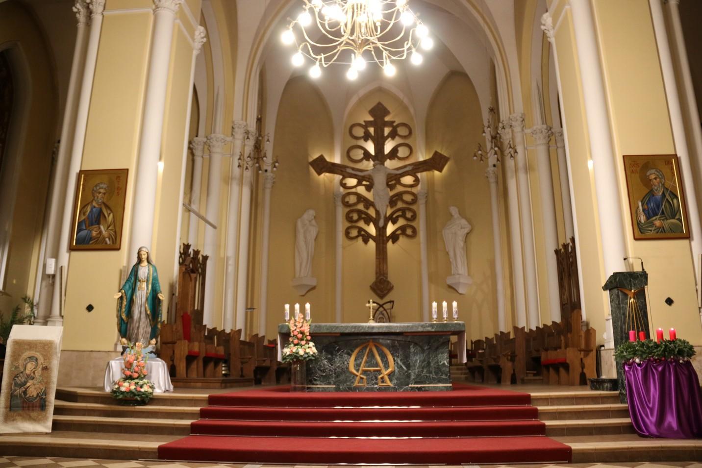 В торжество Непорочного Зачатия Апостольский нунций в России возглавил Святую Мессу в носящем это имя московском Кафедральном соборе (+ФОТО)