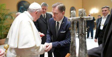 Папа Франциск принял руководство польского профсоюза «Солидарность»