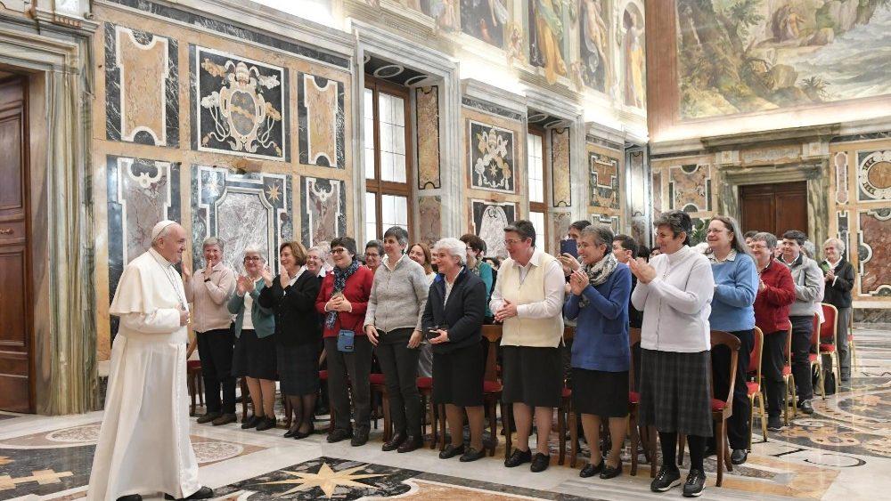 Папа Франциск о миссии женщин в Церкви