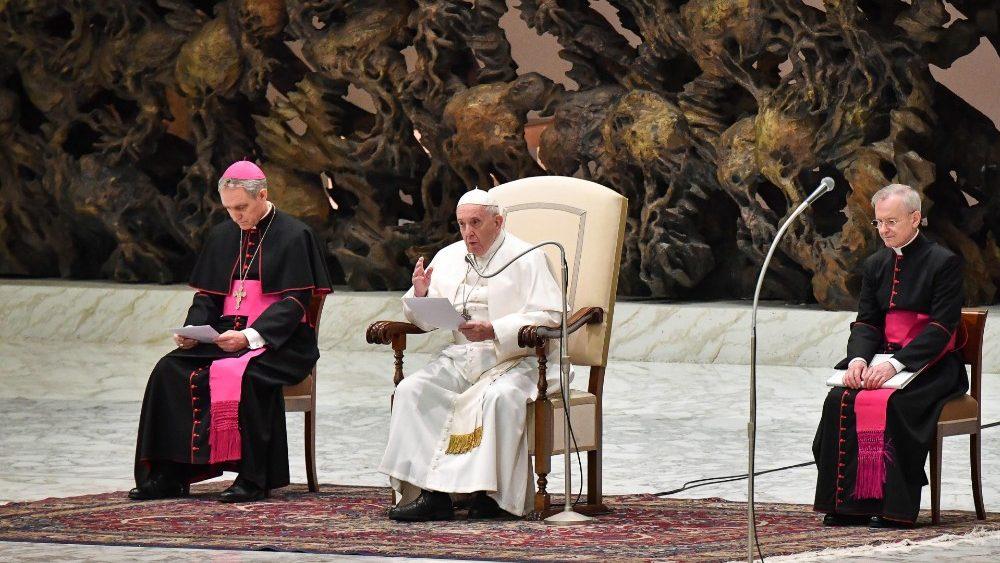На общей аудиенции 15 января Папа Франциск завершил свой цикл катехез, посвященный Книге Деяний, призывом к Церкви быть максимально открытой