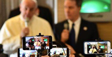 Папа Франциск выступил с посланием на Всемирный день социальных коммуникаций