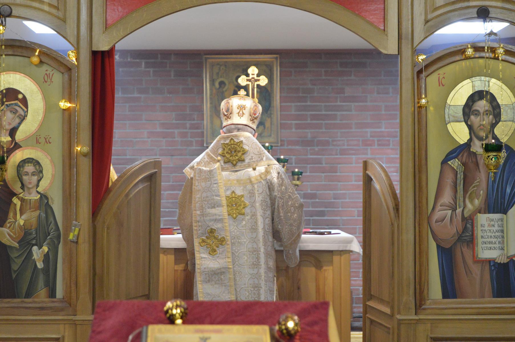 Ординарий для католиков византийского обряда на территории России возглавил богослужение праздника Крещения в Новосибирске