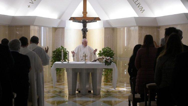На Мессе в Доме Святой Марфы Папа Франциск прокомментировал эпизод исцеления капернаумского паралитика