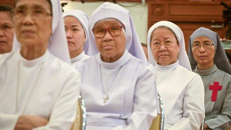 Глава ватиканской Конгрегации по делам посвященной Богу жизни рассказал о вызовах современному женскому монашеству