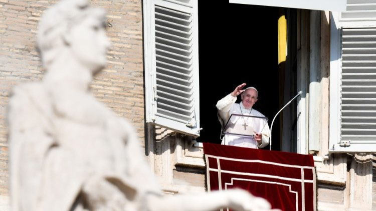 Слово Папы Франциска перед чтением молитвы «Ангел Господень» в праздник Сретения Господня. 2 февраля 2020 г., площадь Св. Петра