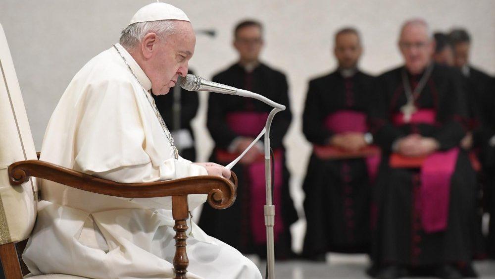 На общей аудиенции 12 февраля Папа Франциск размышлял о блаженстве плачущих