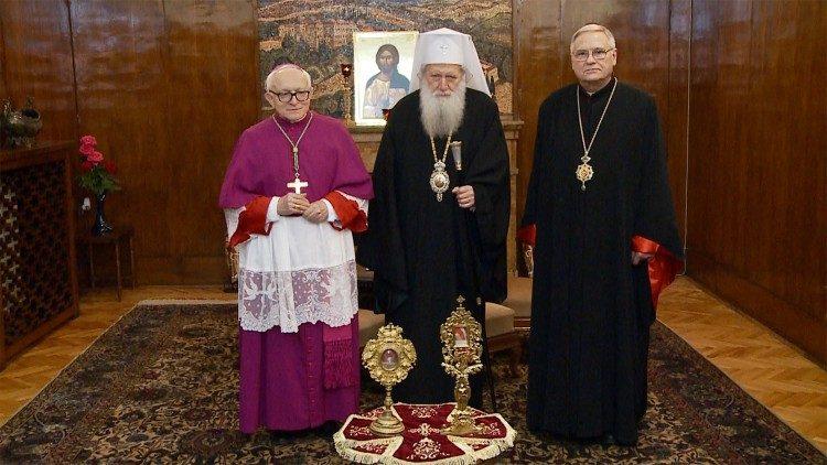 Папа Франциск передал в дар Болгарской Православной Церкви мощи почитаемых святых