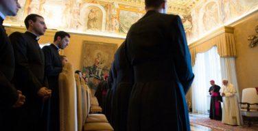 Папа Франциск ввёл обязательную миссионерскую практику для дипломатов