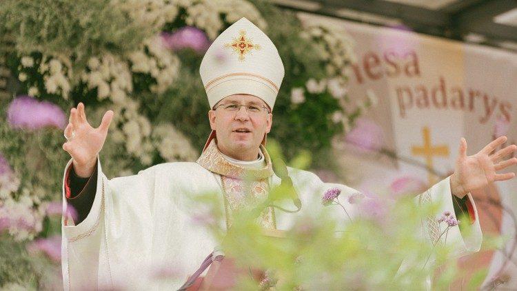 Папа Франциск назначил архиепископа-митрополита Каунасского