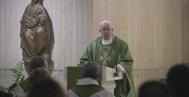 На Мессе в Доме Святой Марфы Папа Франциск предостерег верных от греха обмирщения