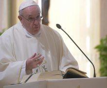 На Мессе в Доме Святой Марфы Папа Франциск призвал к благодарности Богу за сотрудников и спутников на жизненном пути